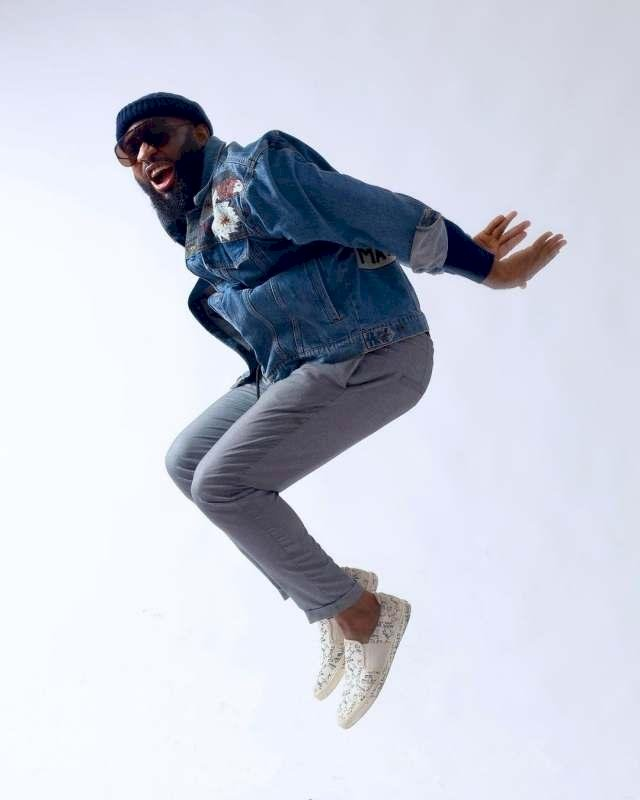 Singer, Praiz jumps for joy after linking up with Wizkid in a club (Video)