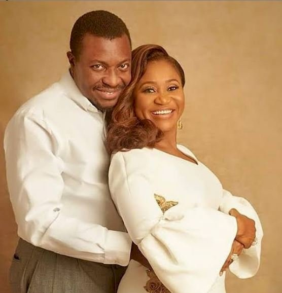 Comedian Ali Baba and wife celebrates 15th wedding anniversary, shares throwback photos