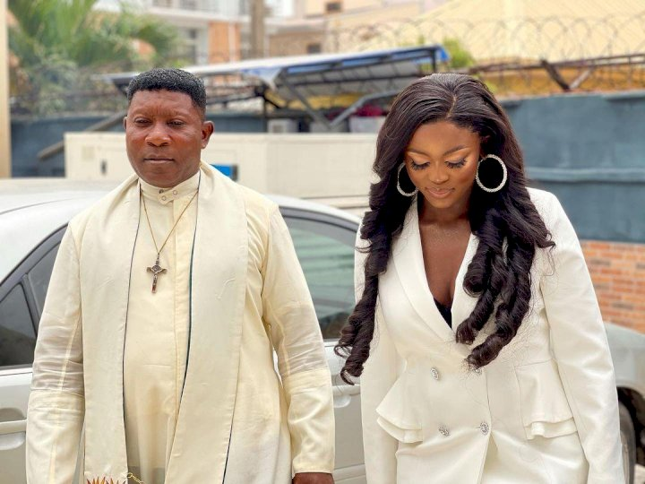 Ka3na Jones launches massive fashion store in Lagos, invites priest to dedicate it (Video)