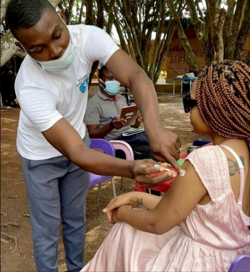"""""""There are no side effects"""" - Actress, Regina Daniels says as she takes COVID-19 vaccine (Photo/Video)"""