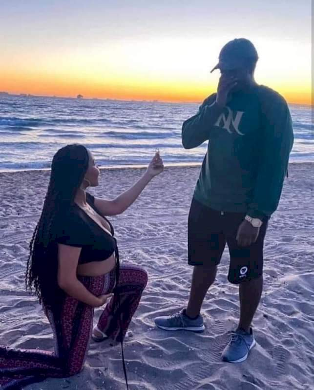 """Can a woman respect a man she proposed to?"" - Reactions as pregnant lady proposes to boyfriend"