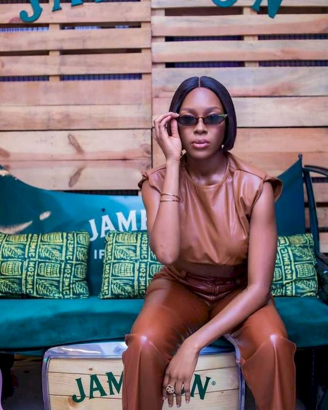 """""""Relationship is stressful but not this one"""" – Reactions as Vee shares loved up photo with Neo"""