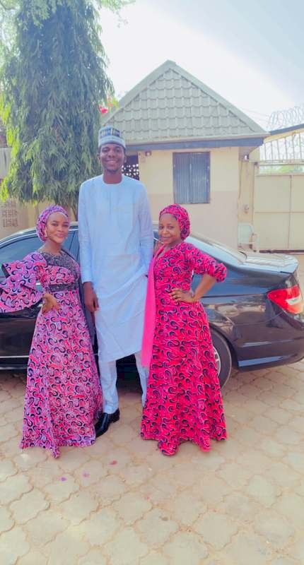 """""""Wahala for who like to snap picture with you"""" – Reactions as man shows off his height"""